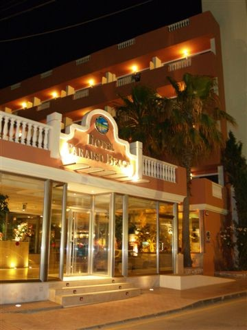 Cheap Hotel from Tinsel Town Travel